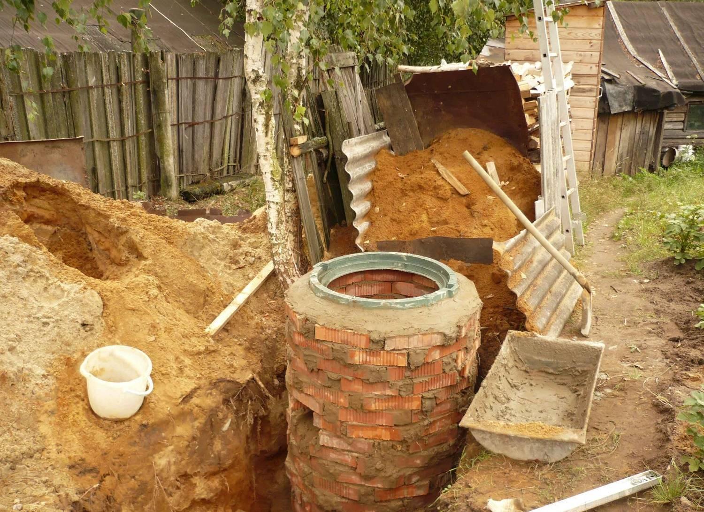 Выгребная яма для частного дома своими руками, монтаж, какая должна быть, конструкция, установка ямы для канализации, фото и видео примеры