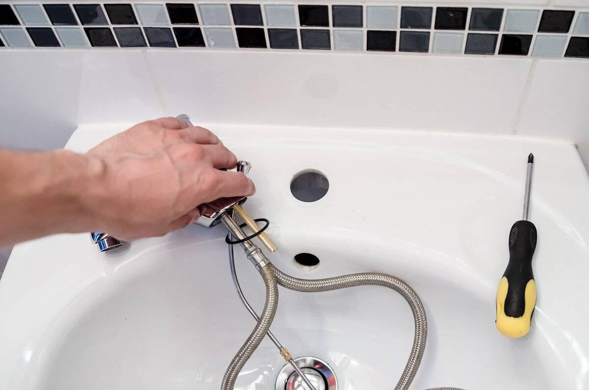 Почему гудит кран при включении воды в ванной или на кухне, и что делать, чтобы справиться с проблемой