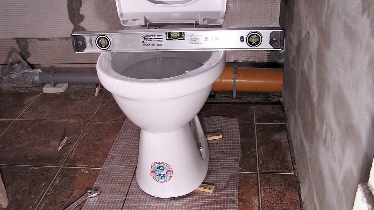 Унитазы без бачка (35 фото): как выбрать напольные модели без сливного бачка в туалет? особенности системы смыва безбачковых унитазов