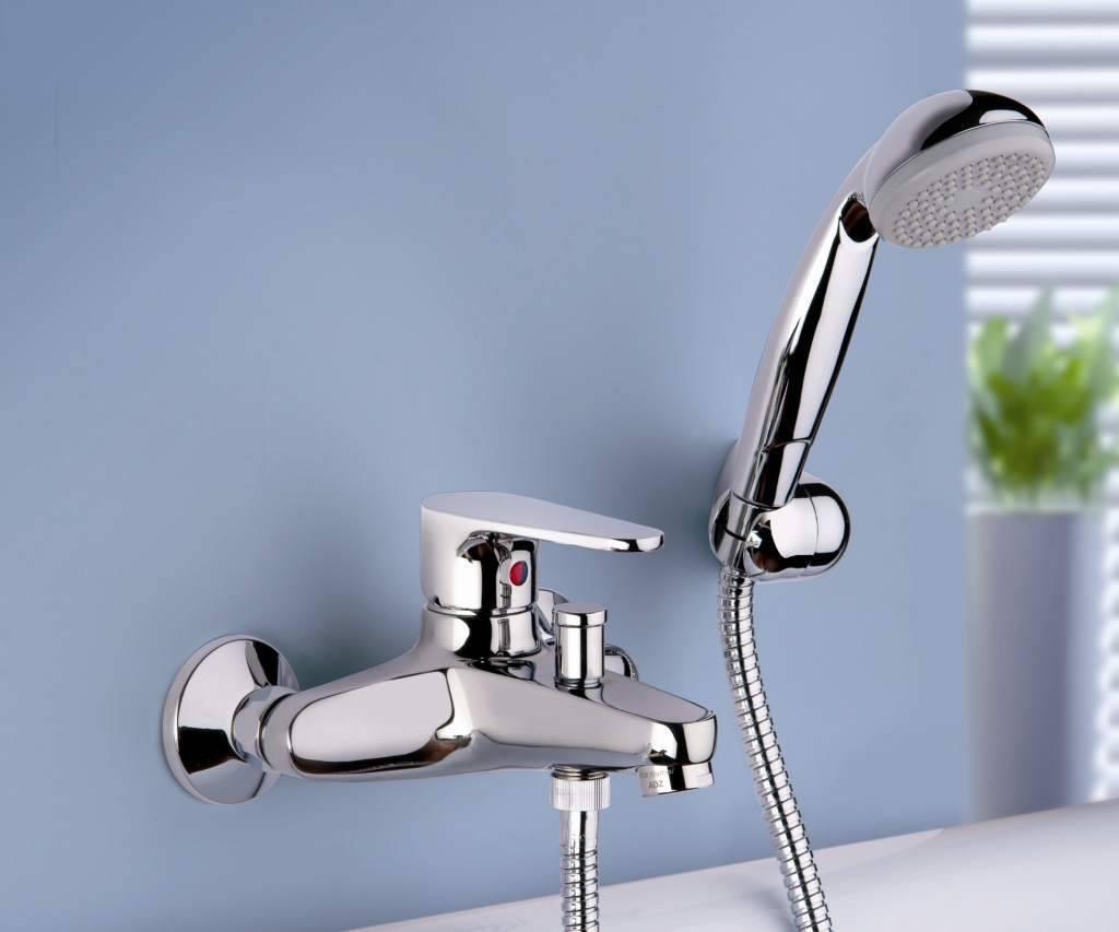 Как выбрать смеситель для ванной комнаты: подбор моделей с душем и без | умный выбор | яндекс дзен