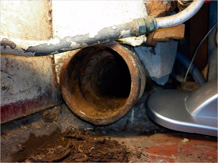 Замена части чугунной канализации на пластиковую. как заменить чугунную канализацию на пластиковую