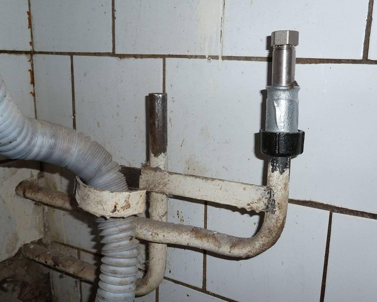 Практичное и простое соединение труб без применения резьбы и сварки