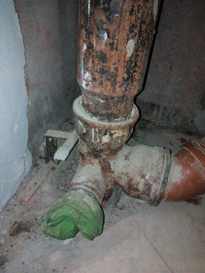 Замена стояка канализации в квартире - как заменить и кто должен это делать