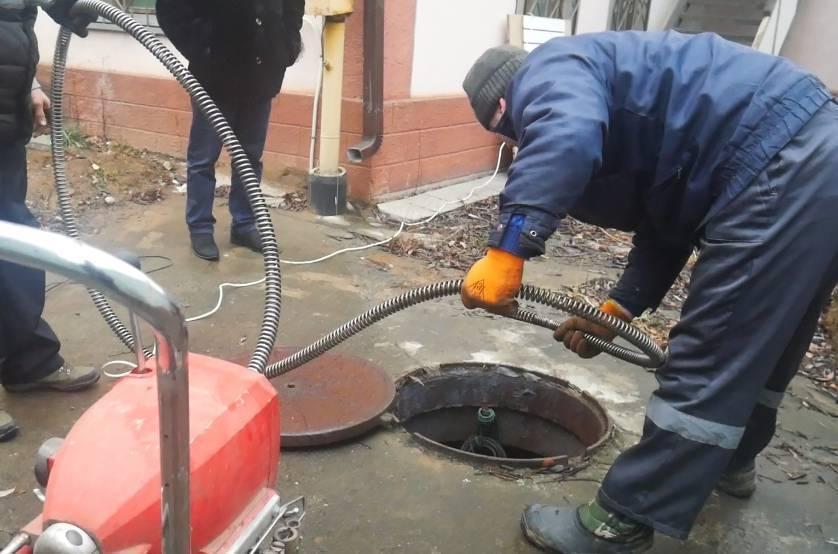 Промывка канализации гидродинамическим способом видео