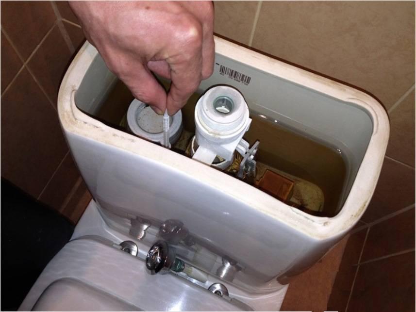 Плохо смывает унитаз: причины проблемы, почему не смывает, что делать, если при смывании вода поднимается вверх, как действовать если все всплывает