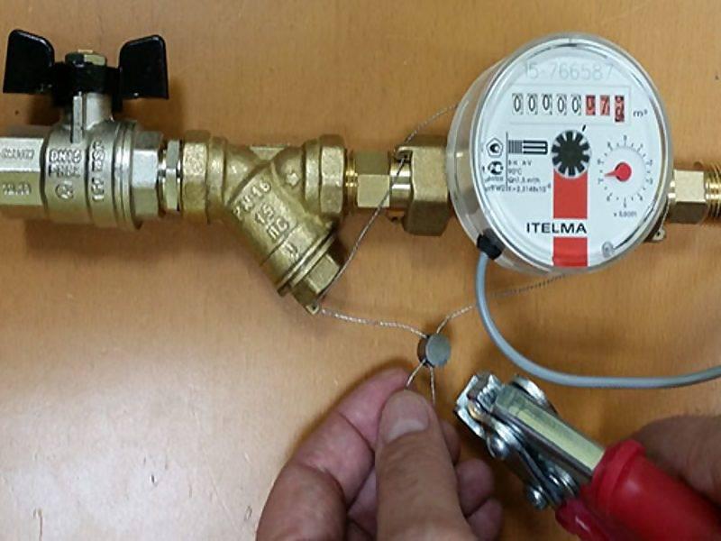 Как проверяют счетчики воды на дому
