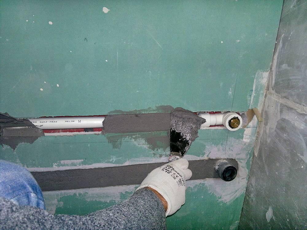 Как проложить трубы в стене из гипсокартона