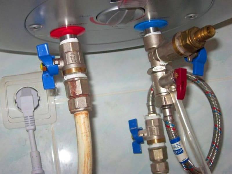 Как слить воду с водонагревателя? как правильно спустить жидкость с бойлера и зачем убирать влагу из накопительного нагревателя