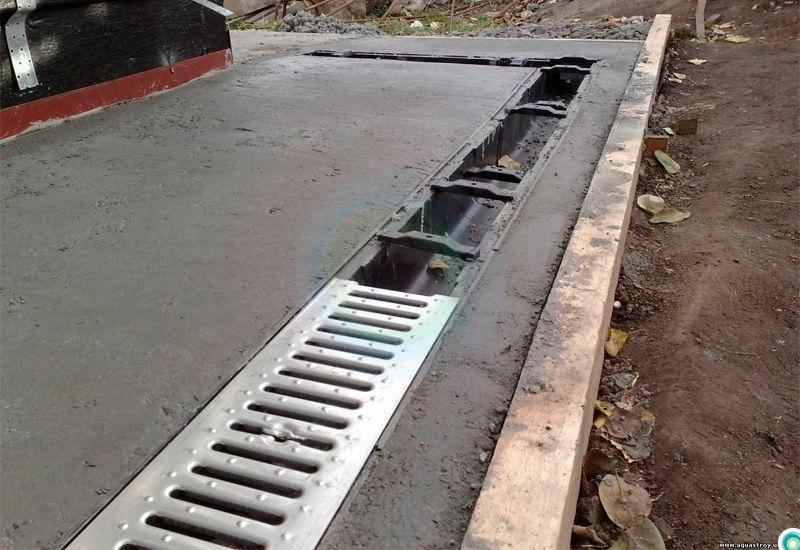 Укрепление стенок дренажных канав — обзор лучших способов