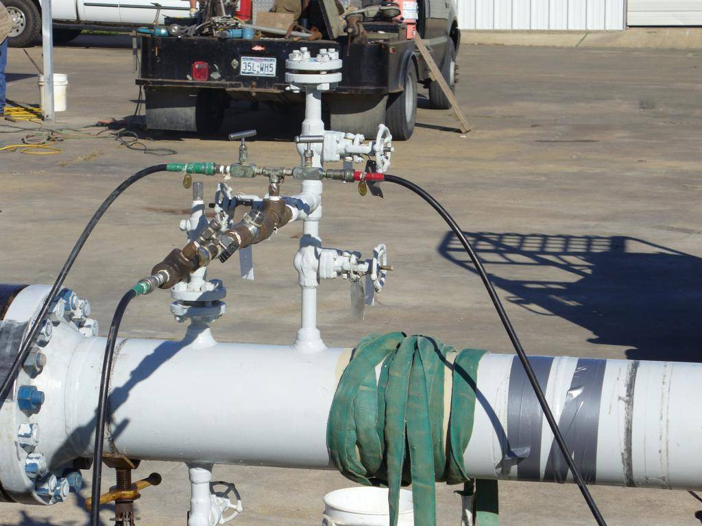 Опрессовка трубопровода: порядок проведения операции на инженерных сетях водоснабжения и отопления