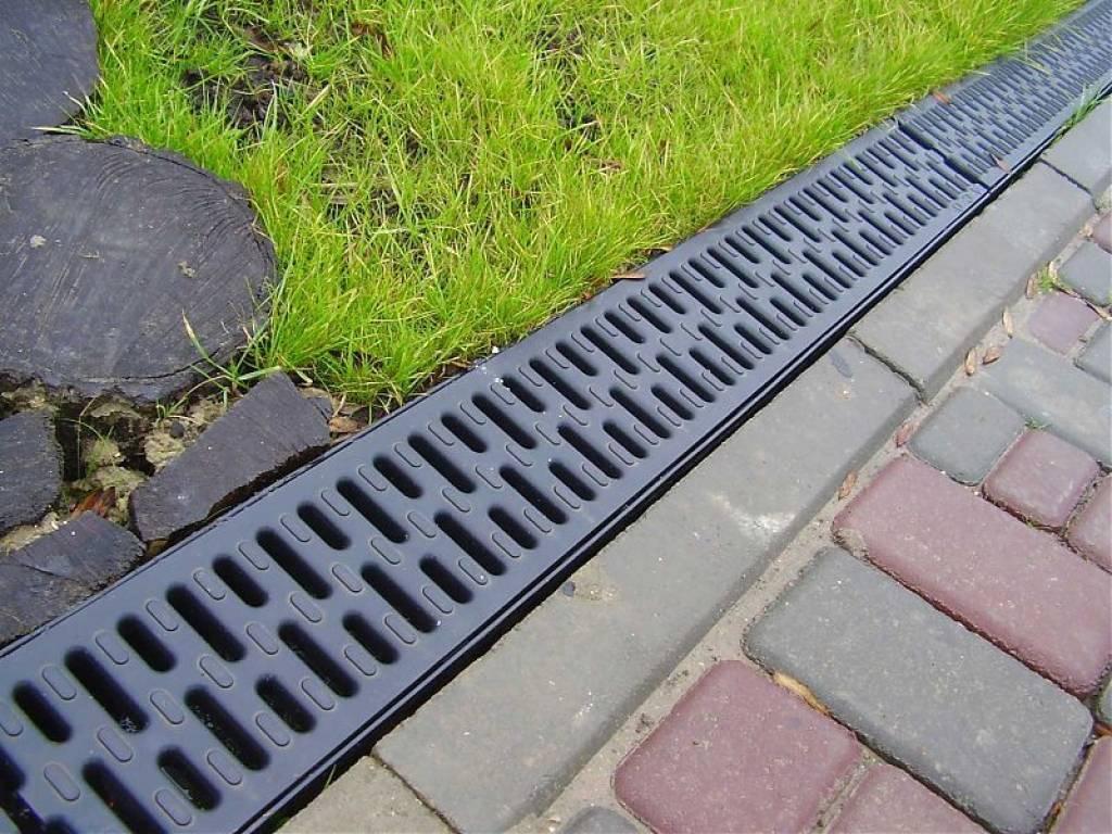 Лоток пластиковый водоотводный с решеткой - все о канализации