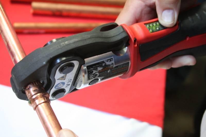 Сантехнические работы: инструменты, оборудование и материалы