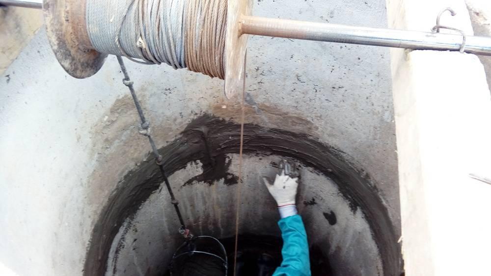 Чем заделать швы в колодце, чтобы было недорого и герметично