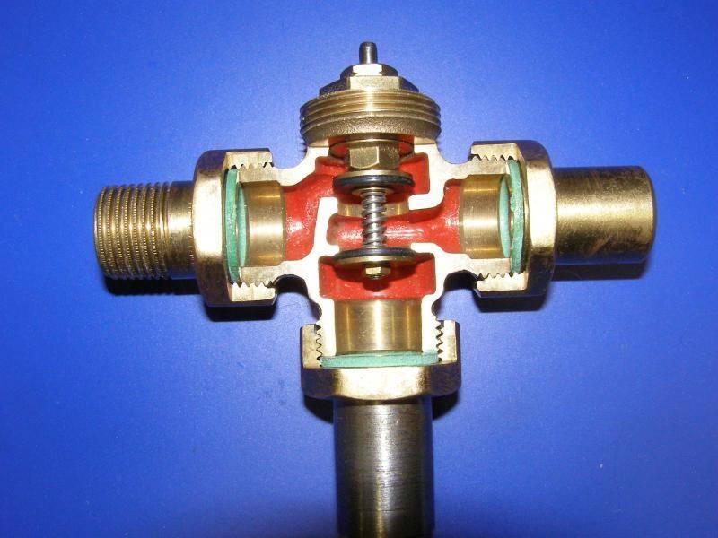 Трехходовой клапан для отопления с терморегулятором: схема подключения с электроприводом, принцип работы для теплого пола
