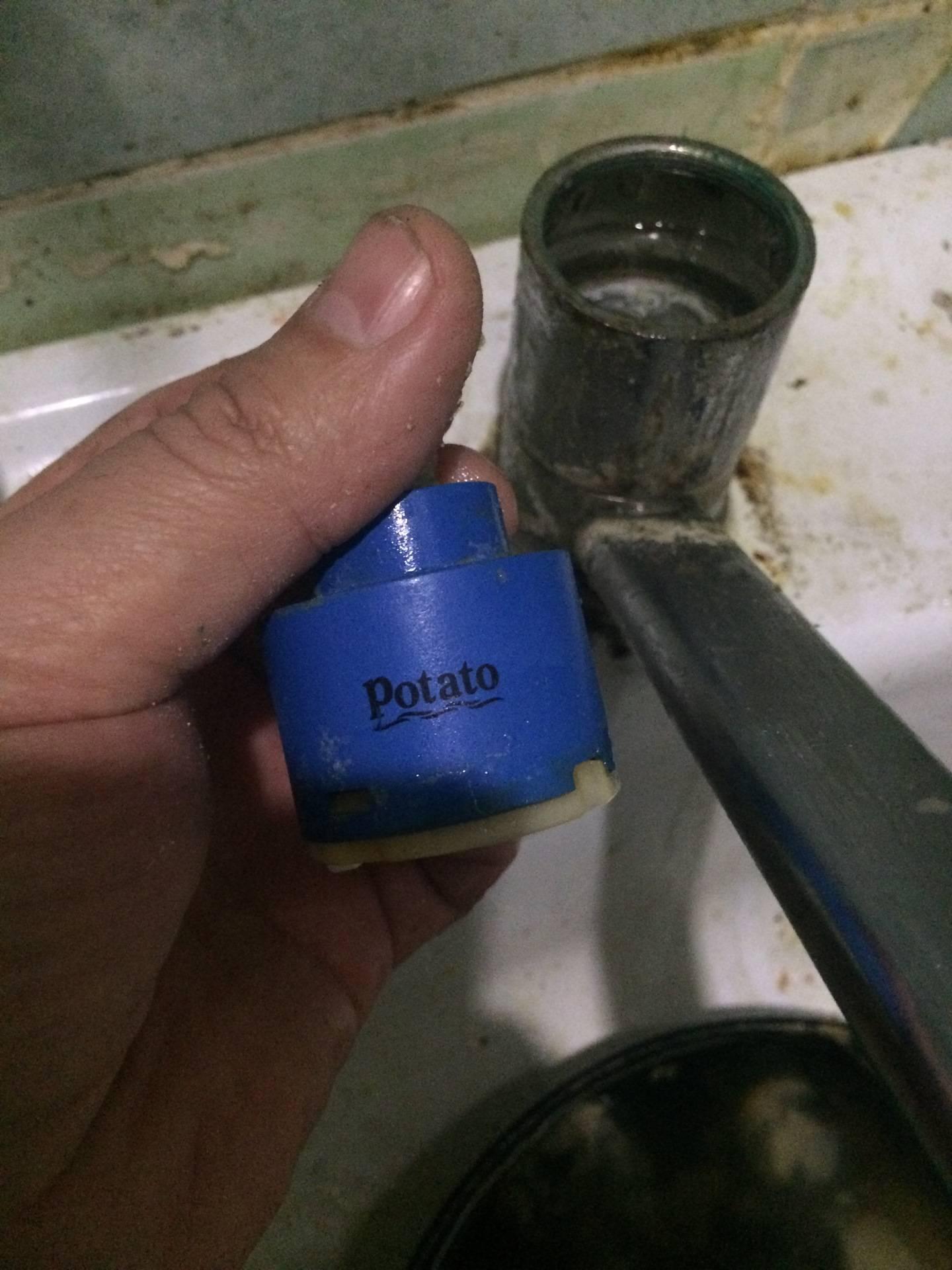 Как отремонтировать и смазать смеситель с картриджем?
